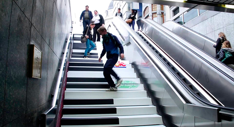 Stairs painted as piano keys Nudge